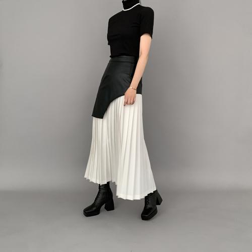 Potent pleats skirt