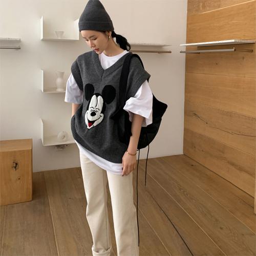 Mickey knit vest