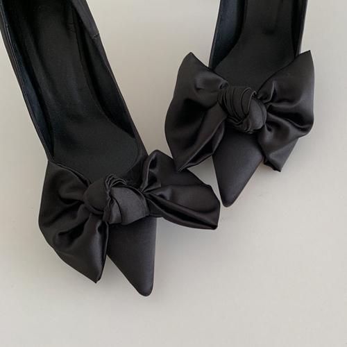 Princess ribbon heel