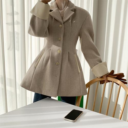 Herringbone line coat