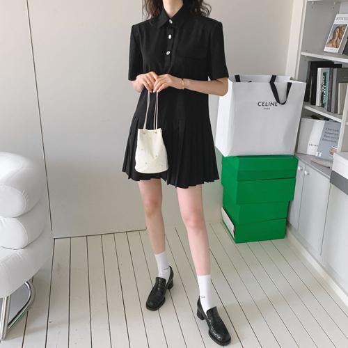 Pad pleats dress